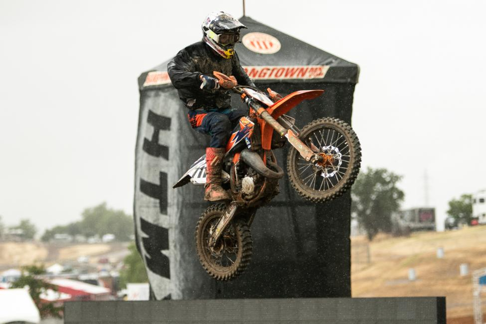 Max Vohland turned in four moto wins to top the Supermini and Schoolboy (12-16) classes.